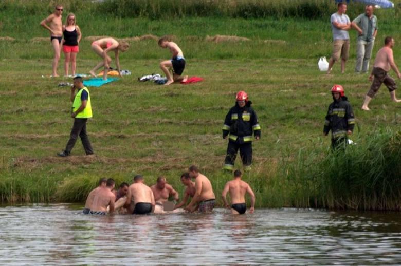 Zarzeczany. Tragedia podczas kąpieli w zalewie koło Gródka (zdjęcia)