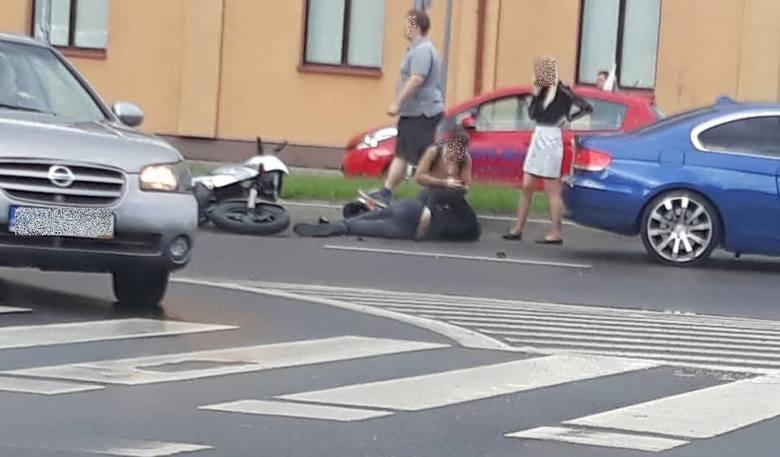 W środę, po godz. 18, na skrzyżowaniu ulic Branickiego ze Świętojańską w Białymstoku doszło do poważnie wyglądającego zderzenia.