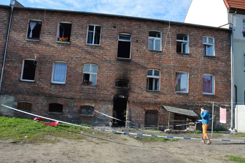 W nocy z 30 września na 1 października w kamienicy przy ul. Pileckiego doszło do groźnego pożaru
