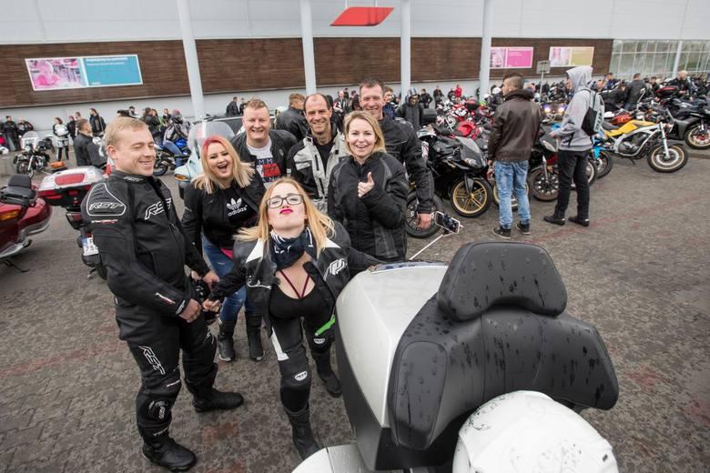 1 maja 2018 w Bydgoszczy - wielkie święto motocyklistów, czyli otwarcie sezonu. Motocykliści przejechali spod Tesco ulicami: Toruńską, Bernardyńską,
