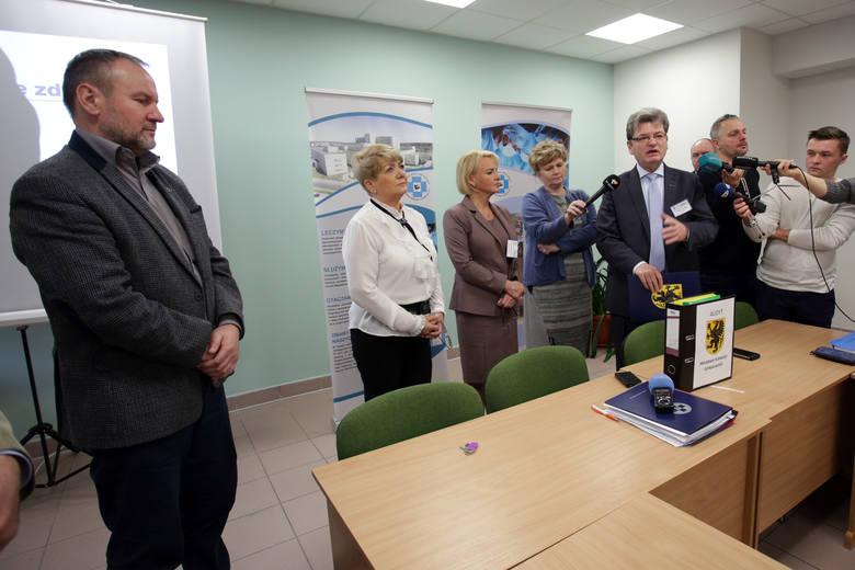 Adam Roślewski z firmy Know How przedstawił program poprawy działalności słupskiego szpitala.
