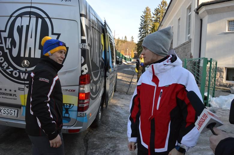 Żużlowcy Stali Gorzów od kilku dni trenują i integrują się w górach. Wyjechali na zgrupowanie do ośrodka Maraton w Szklarskiej Porębie. Korzystają m.in.