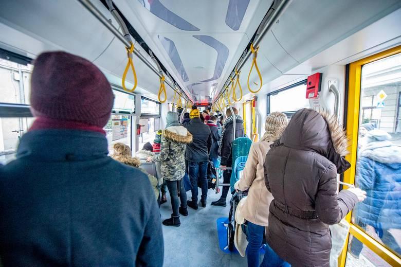 Na fanpage'u Spotted: MPK Poznań jeden z pasażerów wymienił listę sześciu grzechów głównych w poznańskim MPK. Zobacz najgorsze rzeczy, jakie robią pasażerowie