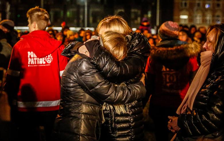 Magdalena Adamowicz, żona zamordowanego prezydenta Gdańska  zaapelowała na Placu Solidarności w Gdańsku do Jerzego Owsiaka, by ten nie rezygnował z kierowania