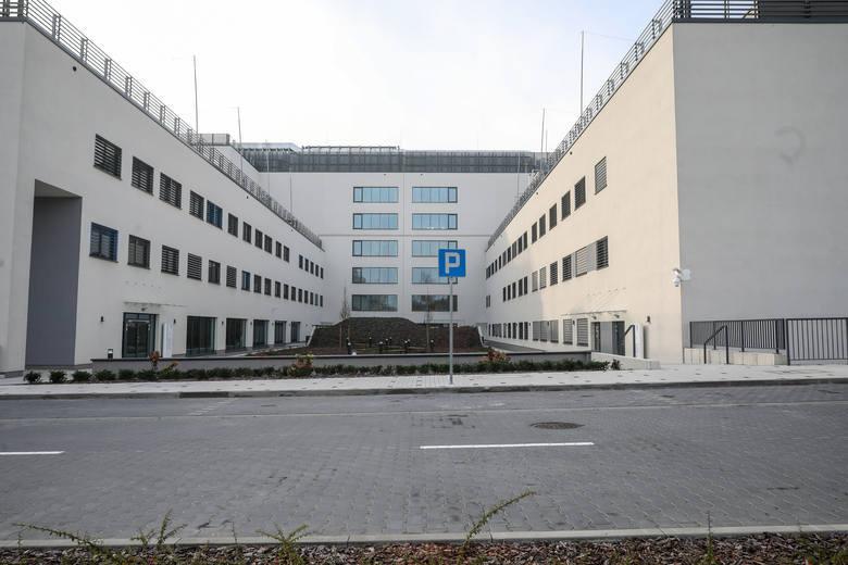 Koronawirus w Krakowie. Na pomoc szpitalowi ruszyło blisko 400 studentów