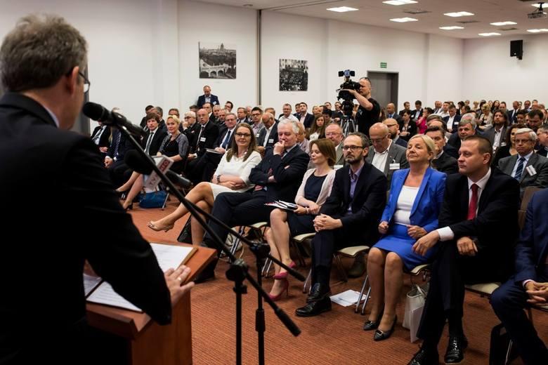 W EXPO Kraków już po raz piąty zorganizowaliśmy debatę o problemach małopolskich przedsiębiorców. Przedstawiciele rządu obiecali ułatwienia dla firm