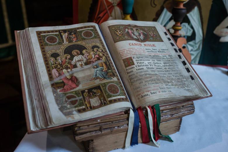 Przepiękny mszał, obecnie bardzo rzadko używany przez kapłana