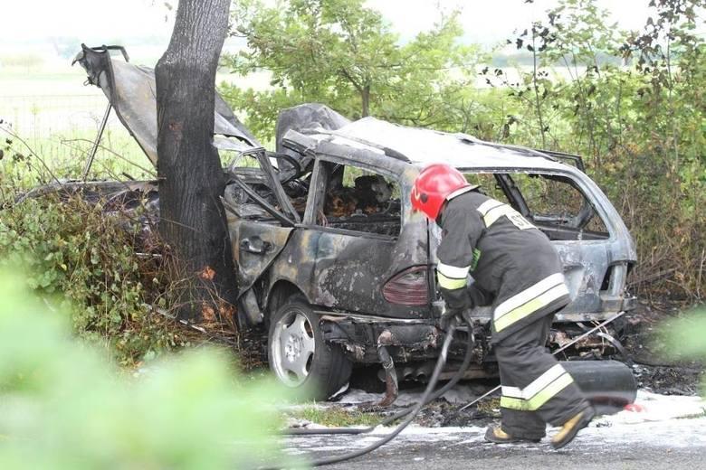 Przykładem mitu, który funkcjonuje w społeczeństwie jest przeświadczenie, że do wypadków drogowych dochodzi najczęściej na skrzyżowaniach dróg. Dane