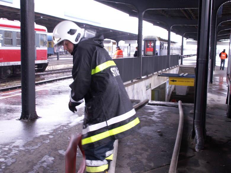 Tunel łączący Dworzec Zachodni z Dworcem Główny PKP w  Poznaniu jest  zalany