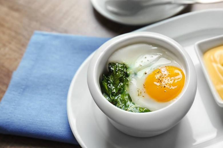 Jajka to cenne źródło pełnowartościowego białka i innych ważnych związków, dlatego dieta lekkostrawna uwzględnia jedzenie średnio jednej sztuki dziennie.