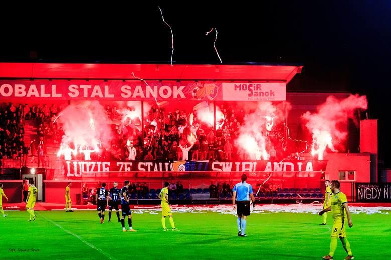 Ekoball Stal Sanok - JKS 1909 Jarosław 1:1 (0:0)Bramki: 0:1 Pawlak 57, 1:1 Ząbkiewicz 79.