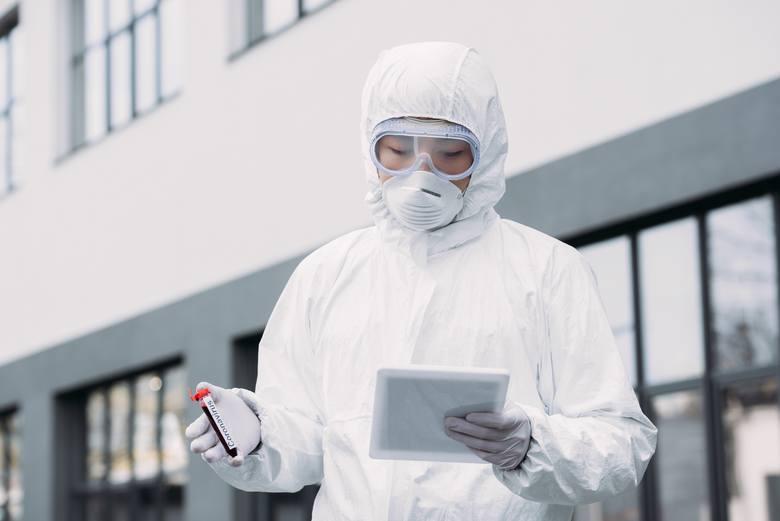 Koronawirus zatacza coraz szersze kręgi. Sprawdź, dokąd już dotarł, co  o nim wiemy i jak możemy się przed nim ochronić. Gdzie jest koronawirus w Polsce?