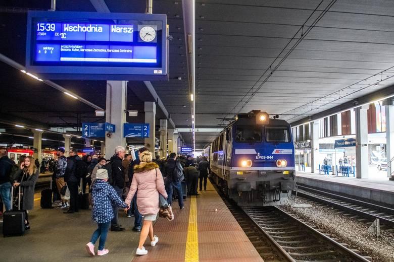 Poznań Główny to drugi po Warszawie Centralnej pod względem ruchu pasażerskiego obiekt w Polsce (19 milionów pasażerów w 2018 roku).