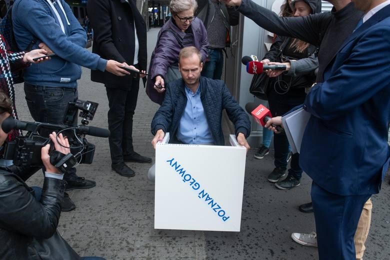 Paweł Sowa od lat zabiega o poprawę stanu poznańskiego dworca.