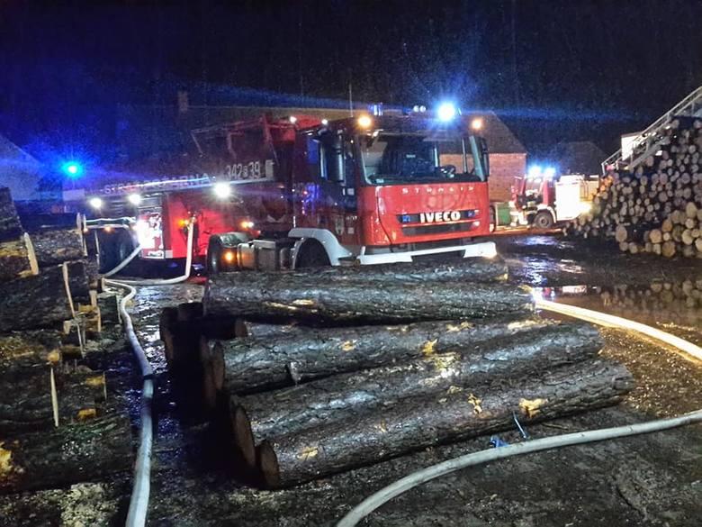 W środę, 9 stycznia, strażacy poinformowali o dużym pożarze tartaku w miejscowości Smolno Wielkie między Sulechowem, a Kargową. Z informacji przekazanych