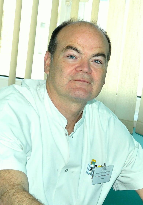 Dr Przemysław Janik jest chirurgiem w szpitalu dziecięcym. Podczas drugiej fali pandemii kierował oddziałem covidowym