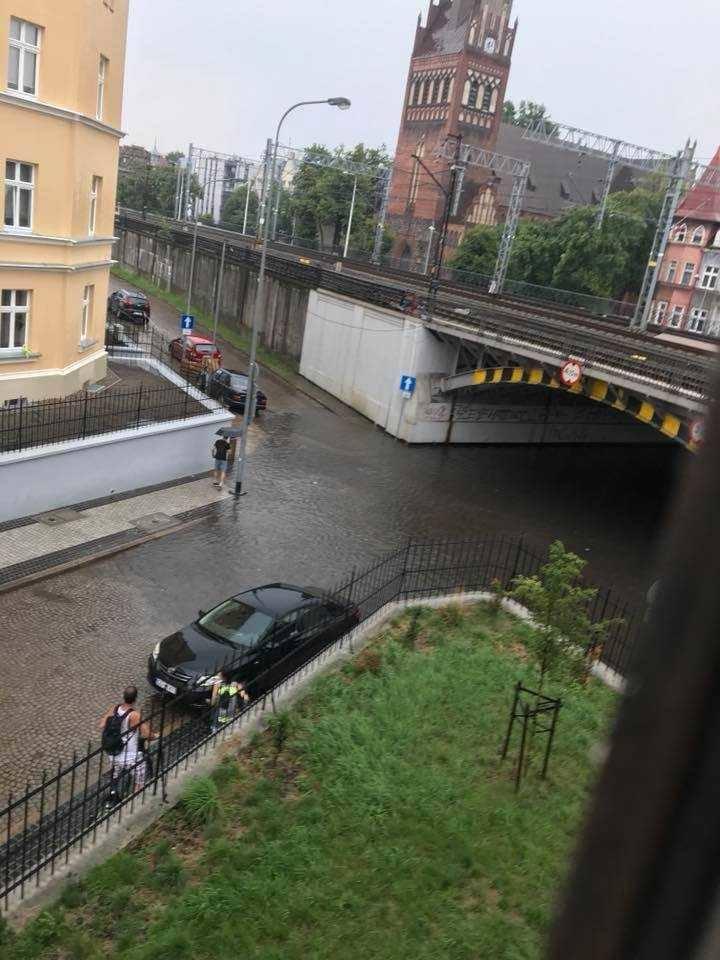 Burza nad Trójmiastem 1.08.2018. Burza i gwałtowne opady deszczu i gradu w Trójmieście 1 sierpnia 2018