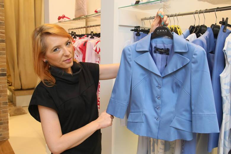 Żakiet jest potrzebny w każdej damskiej szafie, w tym sezonie w odcieniach niebieskiego jest najmodniejszy. Ten kosztował 850 złotych, ale wyprzedażowa