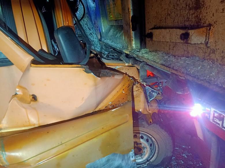 Wypadek na S1 w Dąbrowie Górniczej. Zderzyły się cztery samochody, które najechały na siebie.Zobacz kolejne zdjęcia. Przesuwaj zdjęcia w prawo - naciśnij