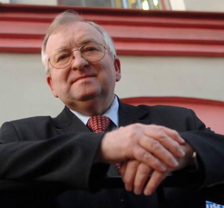Siedzibę stowarzyszenia przedsiębiorca Augustyn Wiernicki umieścił w swojej firmie, aby nie tracić czasu na dojazdy i nie płacić za wynajem pomieszc