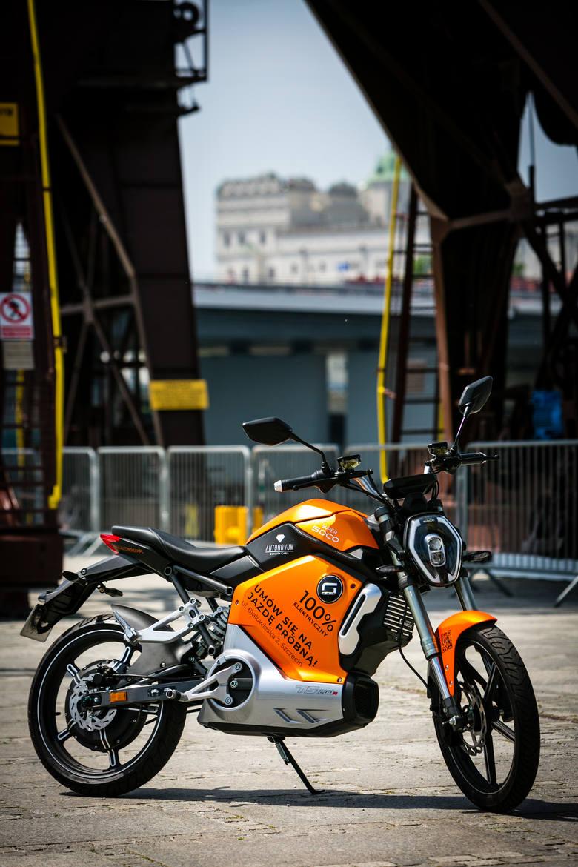 Miejska mobilność staje się elektryczna - elektryczne motocykle i skutery Super SOCO
