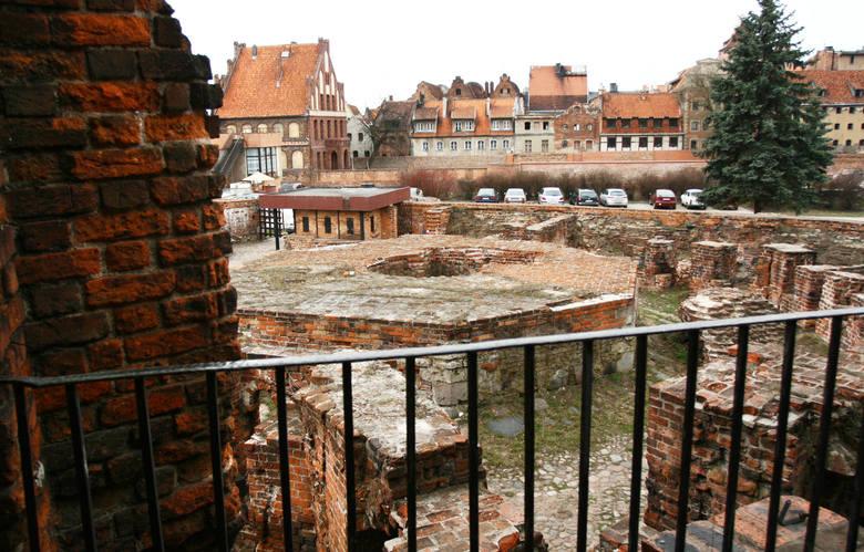 """Zamek krzyżacki, choć znajduje się w stanie ruiny, ma szczególne znaczenie dla torunian, o czym świadczą wyniki głosowania w """"Monopoly"""""""