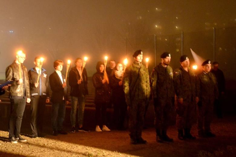 Wieczornica Niepodległościowa w Zespole Szkół Ogólnokształcących nr 8 w Łodzi była niesztampowym włączeniem się społeczności tej placówki w obchody 100-lecia odzyskania niepodległości przez Polskę
