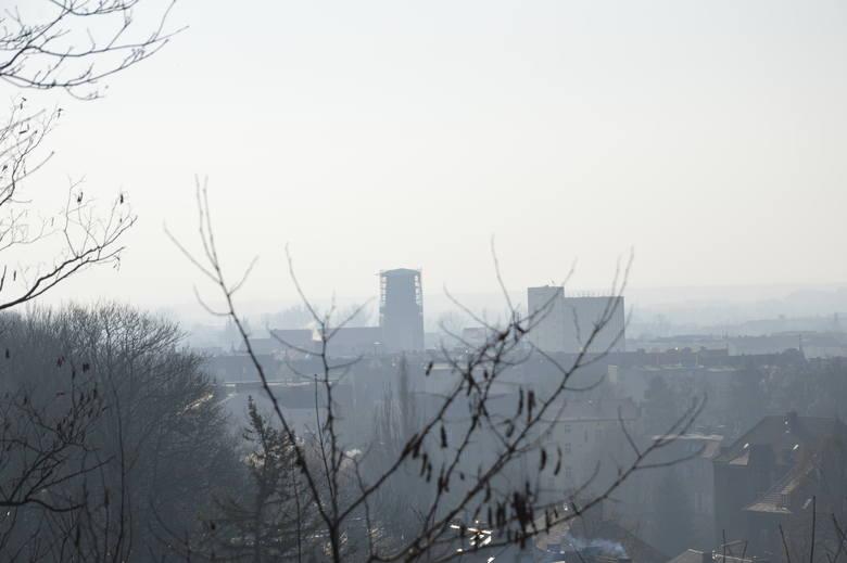 Przy rewaloryzacji Parku Siemiradzkiego w Gorzowie pracuje m.in. pan Zdzisław. Zobacz, jak to miejsce się zmienia. I jakie piękne są stąd widoki na Gorzów!<br />