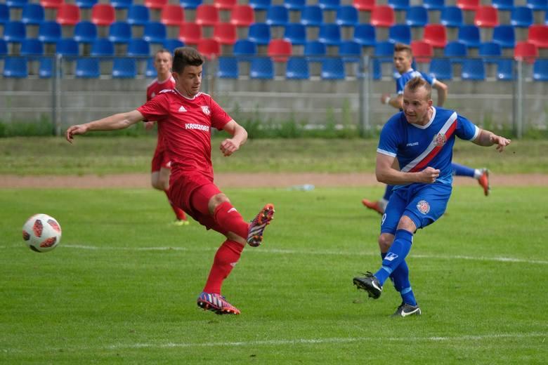 Polonia Przemyśl pokonała w sobotę na swoim stadionie Legion Pilzno 4:2. Dla przemyślan to trzecie zwycięstwo w czterech ostatnich spotkaniach.Polonia