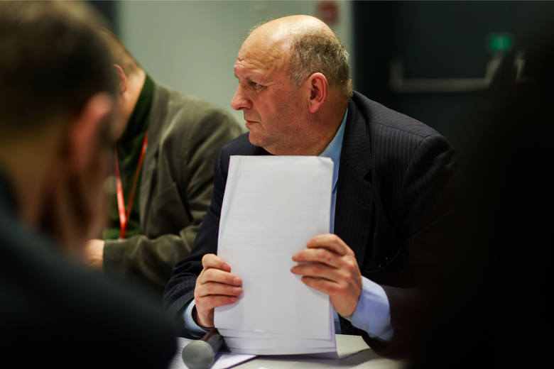 Radny Zbigniew Brożek podpisał wezwanie komisji sportu skierowane do władz. O pieniądze walczy od początku roku.