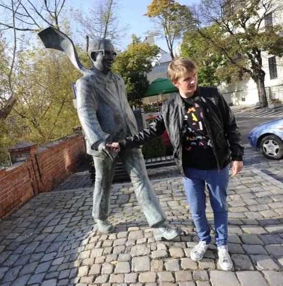 Pomnik Papy Musioła w Opolu zaczął się... ruszać