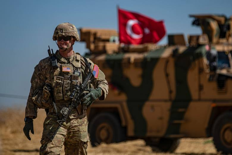Turcja rozpoczęła ofensywę przeciwko Kurdom w Syrii. USA są wściekłe