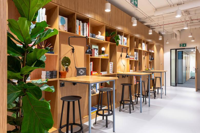 """Kategoria """"Najlepsze Biuro w Branży Coworkingowej""""Wyciszone gabinety, kawiarnie, kanapy, bieżnie, pokoje gier czy nawet strefy do medytacji. To tylko"""