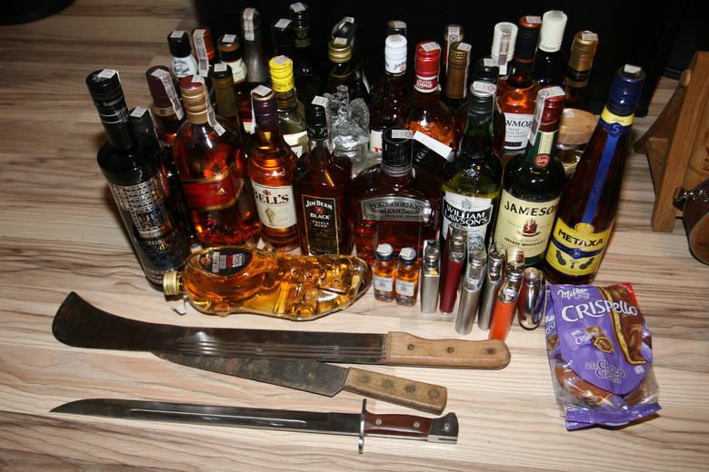 Mężczyźni kradli m.in. drogi alkohol.