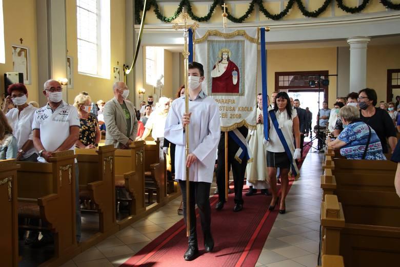 W niedzielę (30 sierpnia) odbyły się dożynki parafialne w Zapceniu (gm. Lipnica). Oczywiście miały inny charakter, niż zwykle, z uwagi na pandemię koronawirusa.