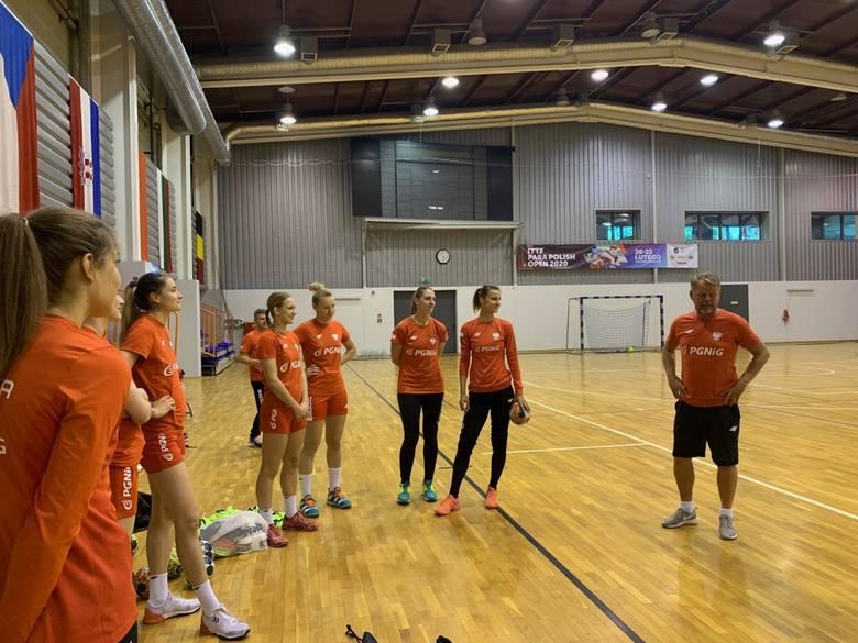 Kielczanki trenują na zgrupowaniu reprezentacji Polski piłkarek ręcznych