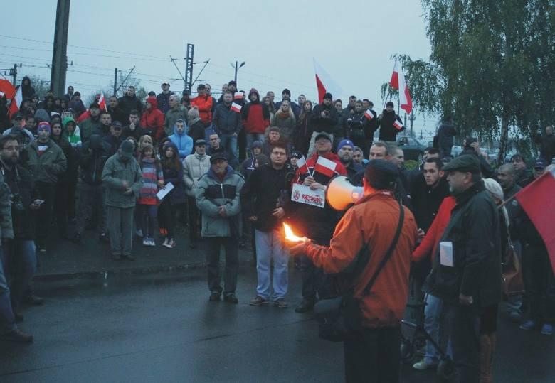 Pikieta przed honorowym konsulatem Ukrainy w Przemyślu. Protest przeciwko gloryfikacji OUN-UPA.