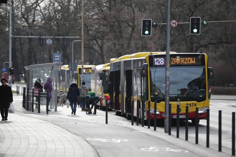 \Wrocławskie MPK zdecydowało. że od najbliższej środy - 6 maja, przywrócone zostaną robocze rozkłady jazdy dla niemal wszystkich dziennych linii tramwajowych