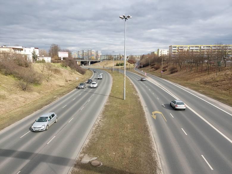 Do połowy 2022 roku ma potrwać gruntowna przebudowa północnego wiaduktu na Wyżynach.