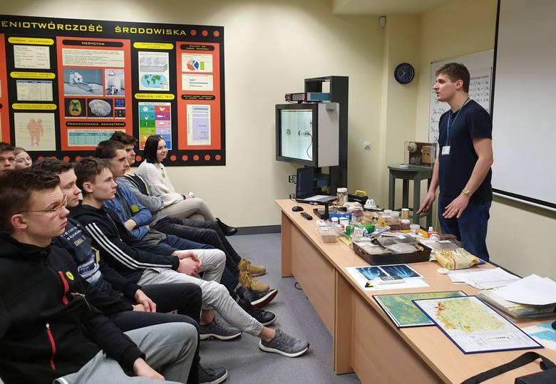 Licealiści z Kluczborka na wycieczce związanej z edukacyjnym projektem.