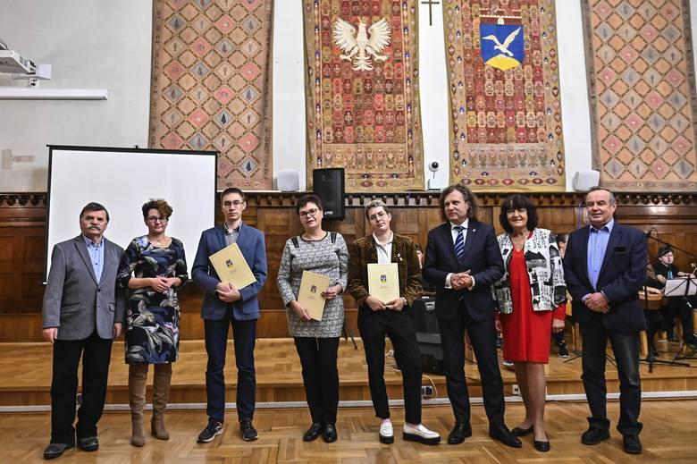 Sopot wspiera uczniów i studentów. Prezydent Miasta Sopotu nagrodził najwybitniejszych z nich