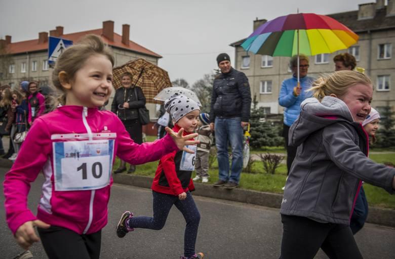 Kilkuset zawodników pobiegło ulicami Drezdenka
