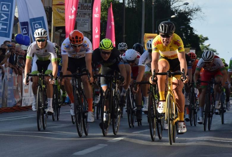 W czwartek kolarze 30. Międzynarodowego Wyścigu Solidarności i Olimpijczyków przejechali trasę 3 etapu z Kielc do Radomia. Na mecie pierwszy zameldował