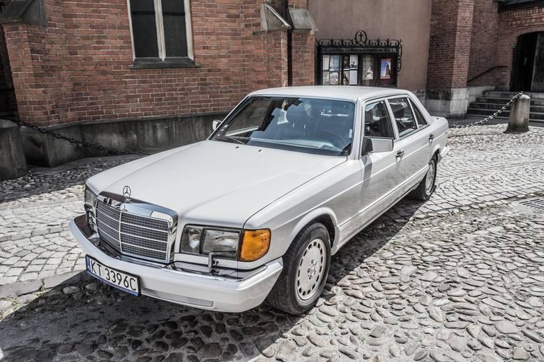 Kategoria: Bryka RokuMercedes-Benz 350 SDL, 1990 r., Paweł Łabno, TarnówTen model na rynek USA i Kanady wyprodukowano w ilości 2,925 sztuk. Kultowa wersja
