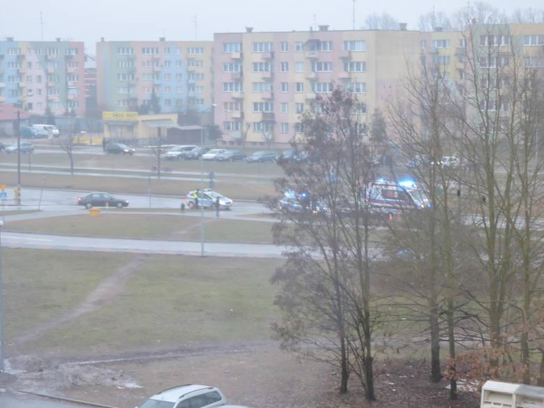 Wypadek na ul. Steyera. Kierowca opla potrącił na pasach 62-letnią kobietę