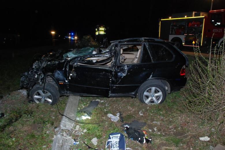 Do wypadku doszło w niedzielę około godz. 21.30, w Przysietnicy na drodze powiatowej relacji Brzozów - Dynów. Ze wstępnych ustaleń wynika, że kierujący