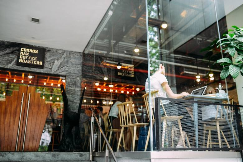 #OtwieraMY w Poznaniu. Oto restauracje, kawiarnie i kluby otwarte stacjonarnie.Sprawdź, gdzie można zjeść, wypić kawy czy też potańczyć w weekend --