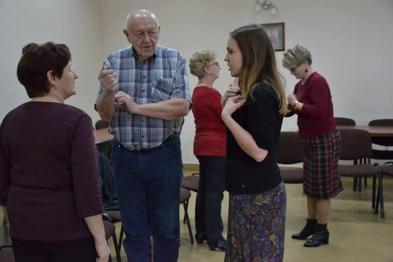 Ośrodek Kultury Gminy Kikół zaproponował  seniorom z gminy udział w bezpłatnych  zajęciach muzykoterapii. Odbywają się one od jesieni ubiegłego roku