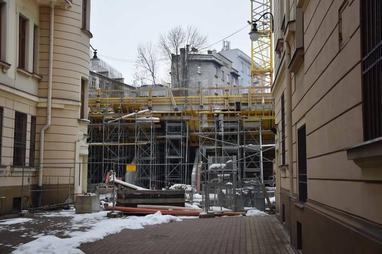 W Przemyślu przy ul. Mickiewicza trwa budowa nowego gmachu Sądu Rejonowego.