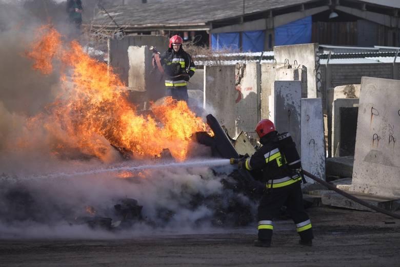 Dziś Dzień Strażaka. Czas świętowania, ale i podsumowań. Ubiegły rok był dla strażaków bardzo pracowity. Odnotowali o 25 procent więcej interwencji niż
